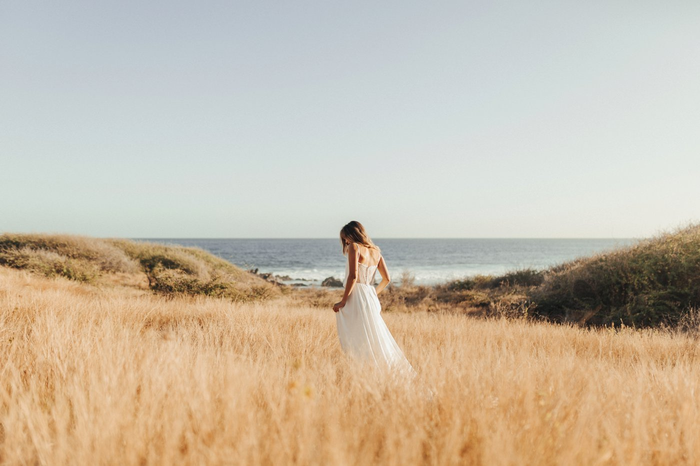 Barefoot bride – Elodie Nirlo Wedding Dress