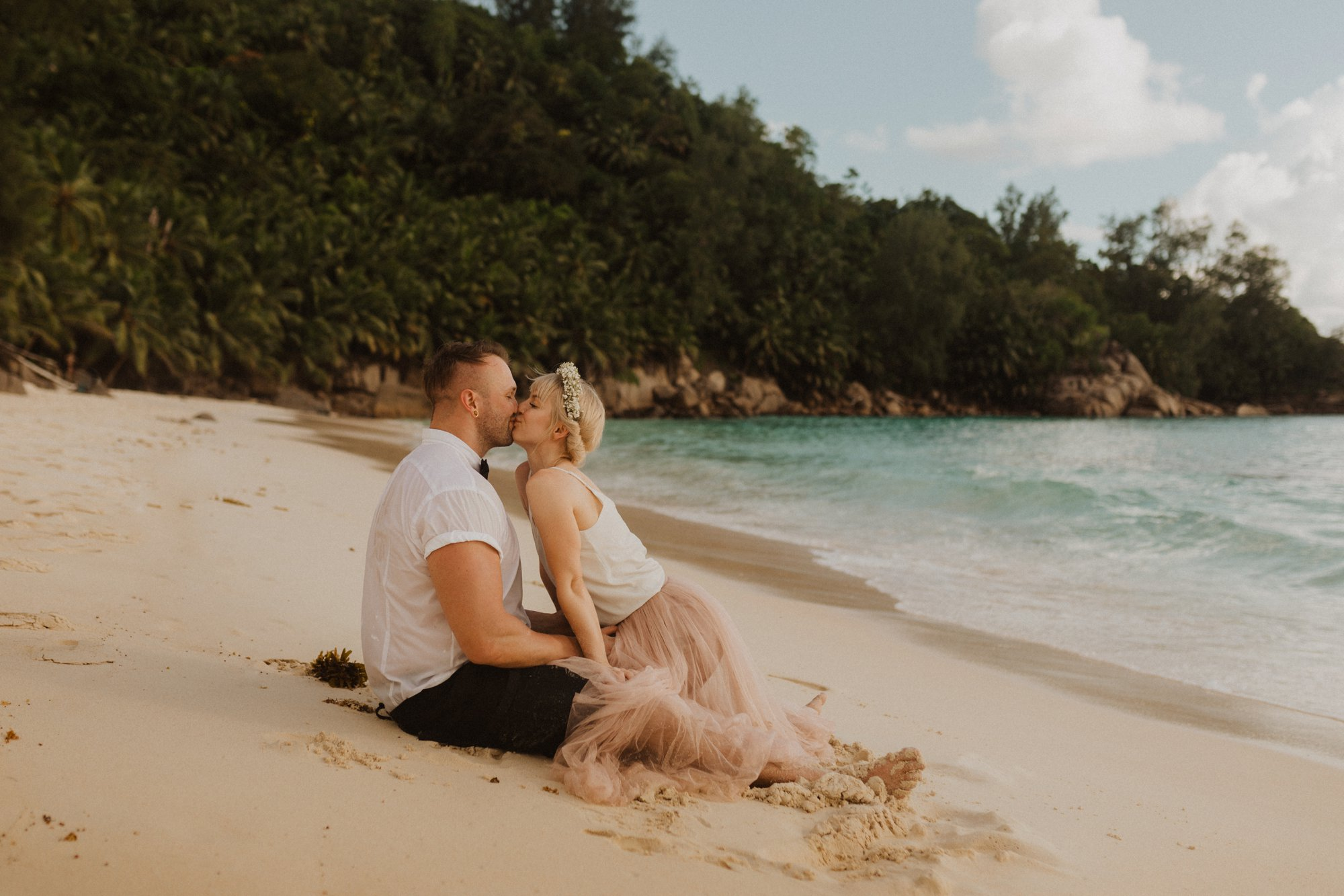 Seychelles tropical elopement